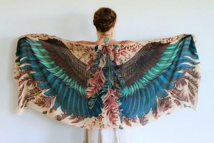 像翅膀一样的创意艺术围巾图片