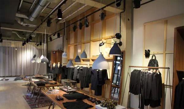 服装设计网 教程 视觉陈列                    岛式陈列      在店铺