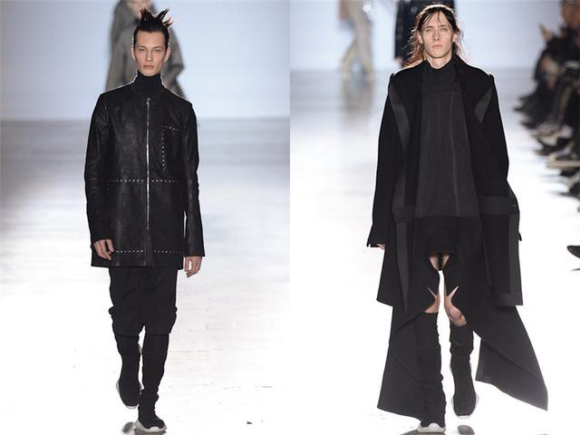 """核心提示:拉夫最初是学习工业设计的,然后自学服装设计出道进军时装界,他曾是德国著名极简主义品牌吉尔-桑达(Jil Sander)的首席设计师。大家称他为""""黑色设计师"""",他对黑色有着极为疯狂的热爱,他的黑色哲学赋予了衣服与众不同的理念,山本耀司认为黑色  巴黎男装周Yohji Yamamoto 2015早秋男装 这种真实、执拗、质朴的设计师已经非常少见了,在时装界会显得格格不入,因此山本耀司也就自成一格了。他就是品牌YohjiYamamoto山本耀司创造者,70多岁的老头子是神一般的存在。如若用他自己"""