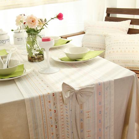 首页 时尚聚焦 >> 麻布桌旗装点餐桌 轻松拥有小清新风格     一半是