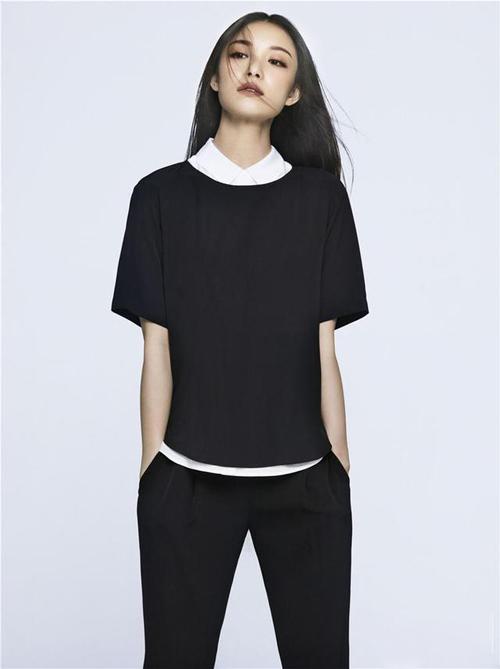 """今天穿什么:非黑即白 时髦""""帅T风"""""""