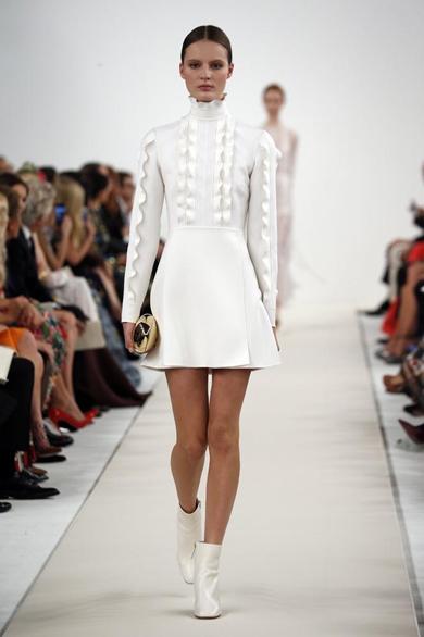 高级定制时装秀-服装T台秀场-服装设计网购物中心的Vi设计图片