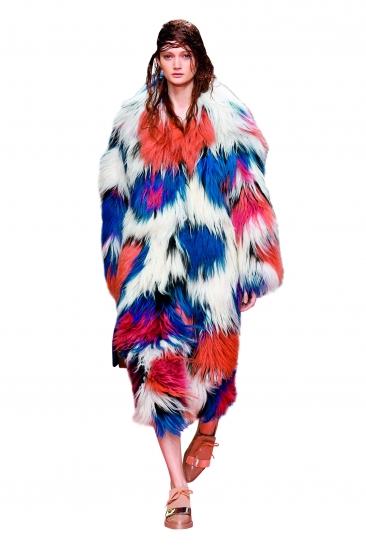 彩色皮草 温暖整冬-服装设计新闻-资讯-服装设计网版