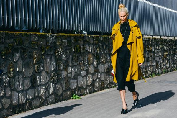 2015秋冬巴黎时装秀街拍-服装潮流搭配-服装设计网