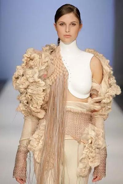 服装设计从灵感来源到面料改造的重要性