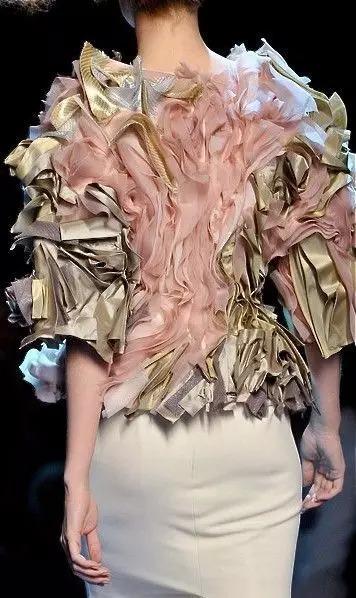 服装设计从灵感来源到面料改造的重要性-服装设计