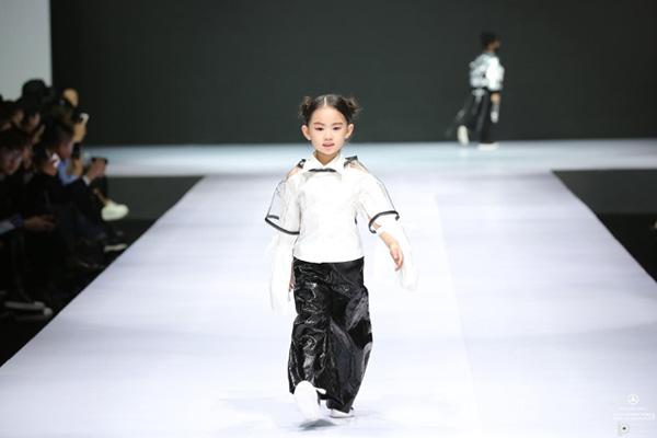 儿童t台走秀动作-儿童t台走秀音乐,儿童模特走秀动作