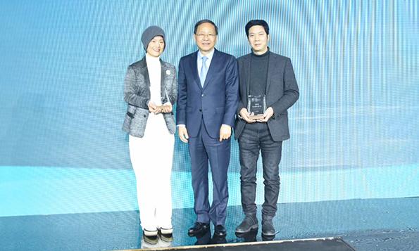 深耕细作,专注服装领域,CFW时尚荣获CHIC 2021新闻传播奖