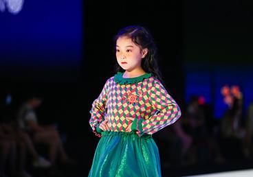 2020广东时装周秀尚 | 新丝路X巴巴小镇&希及·万物白品牌专场发布会
