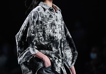 2020广东时装周秀尚 | 靛蓝纹学牛仔——东方时尚美学觉醒盛宴