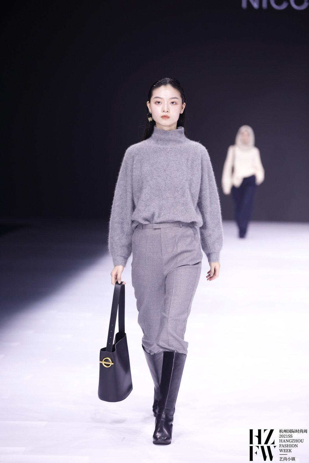 """One ""- NicoleZhao 2021AW FASHION SHOW"