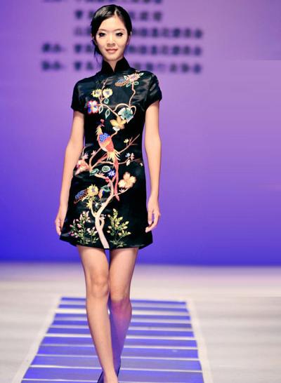 青岛国际时装周旗袍t台秀