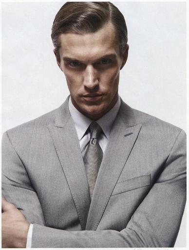 简约 搭配/简约的灰色西装外套搭配出干练时尚魅力。