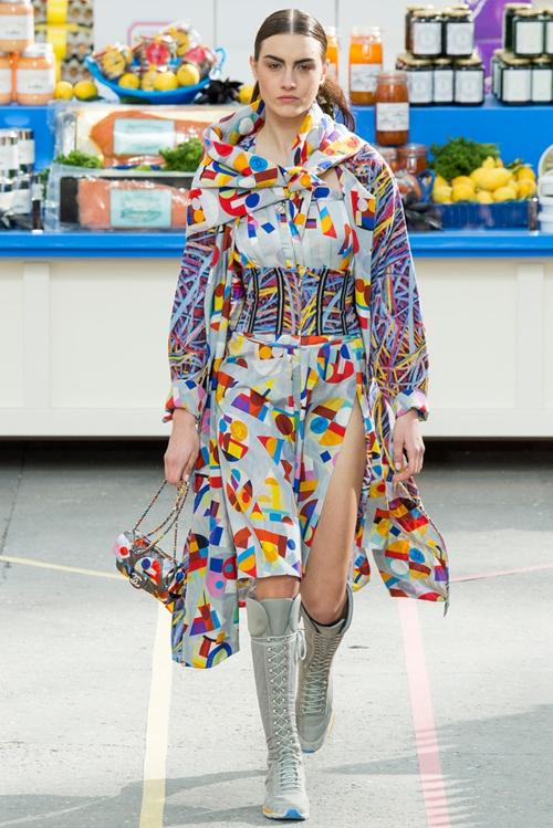 2014时尚奲(�y��0_【流行】2014巴黎秋冬时装周秀场 chanel香奈儿\